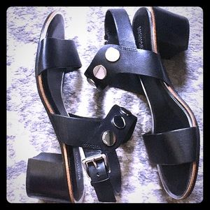 Michael Kors blk leather chunky heel sandals 8&1/2